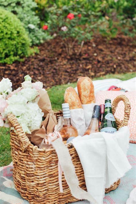 picnic basket ideas best 20 picnics ideas on pinic basket picnic baskets and picnic food