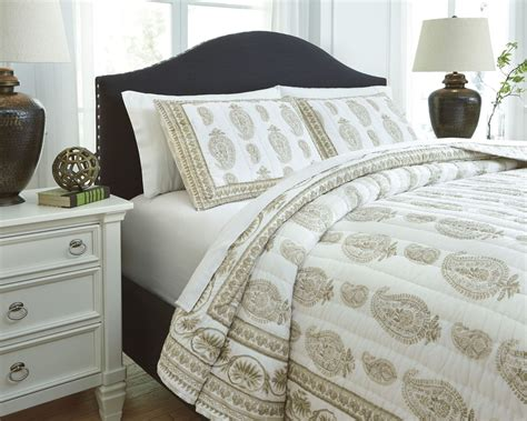 beige coverlet almeda beige queen coverlet set from ashley q726013q
