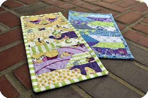 how to make quilted mug rugs 10 best images about bits on mini quilts quilt and minis