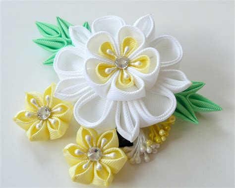 fiori di stoffa kanzashi kanzashi fabric flower hair clip white and yellow