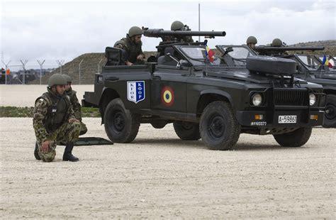 Militär Auto by File Militari Romani In Cadrul Misiunii Kfor Jpg