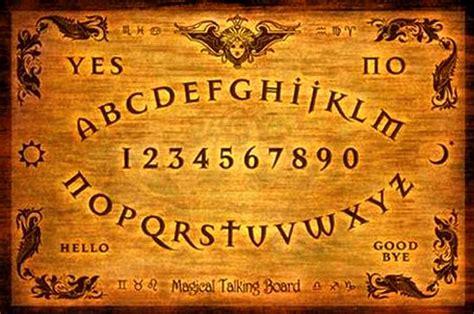 tavola uija la tavola ouija semplice gioco o strumento esoterico