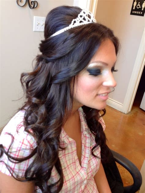 quinceanera hairstyles half up half down this half up half down hairstyle is very pretty and flowy
