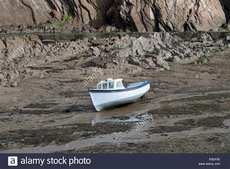rocks on the at combe martin bay stock photo boat grounded rocks stock photos boat grounded rocks