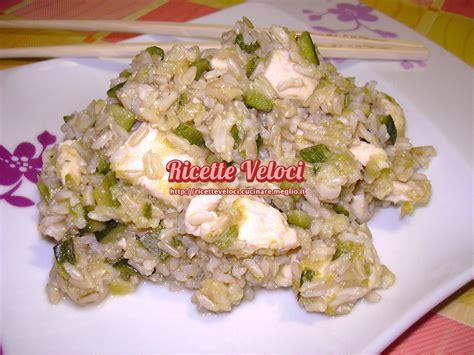 cucinare riso thai riso thai integrale con pollo e verdure ricette veloci