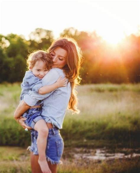 hijo ve a su mama dedearse 15 cosas que toda mam 225 debe hacer con sus hijos peque 241 os