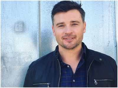 actor pierce lucifer tom welling joins third season of lucifer times of india