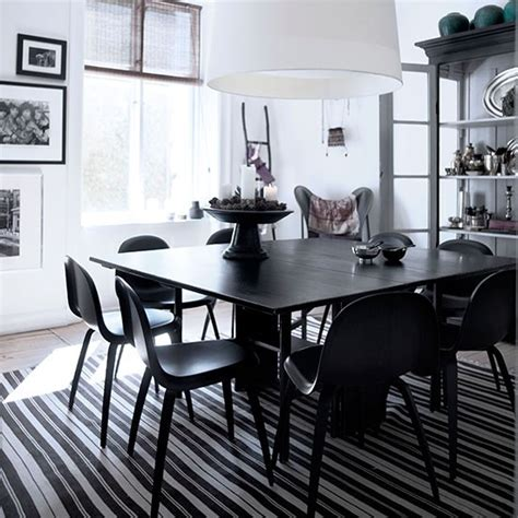 Flooring Ideas For Dining Room by Dining Room With Black And White Striped Rugs Black And