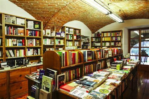 libreria pinerolo libreria volare le tane dei libri