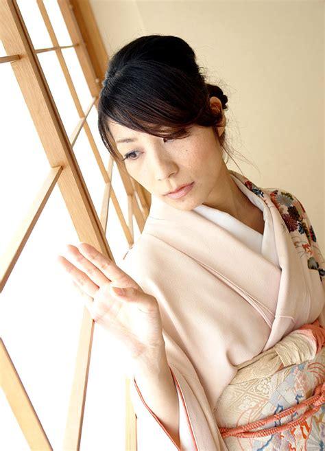 Purejapanese Jav Model Kaori Takemura Photo Collection