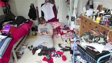how to clean a disaster bedroom how to clean up a messy bedroom quickly www indiepedia org