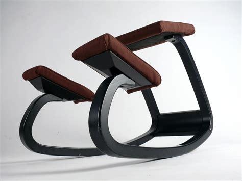 stokke balans stuhl stokke variable balans kniestuhl stuhl b 220 rostuhl schwarz braun