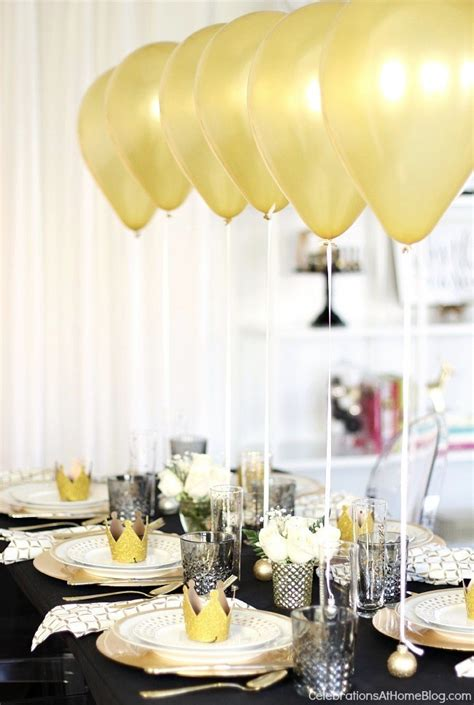 Holiday Table Setting With Balloons Centerpiece Dinner Balloons Centerpieces For Tables