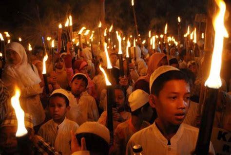 kumpulan tradisi sambut ramadhan bagi warga muslim medan