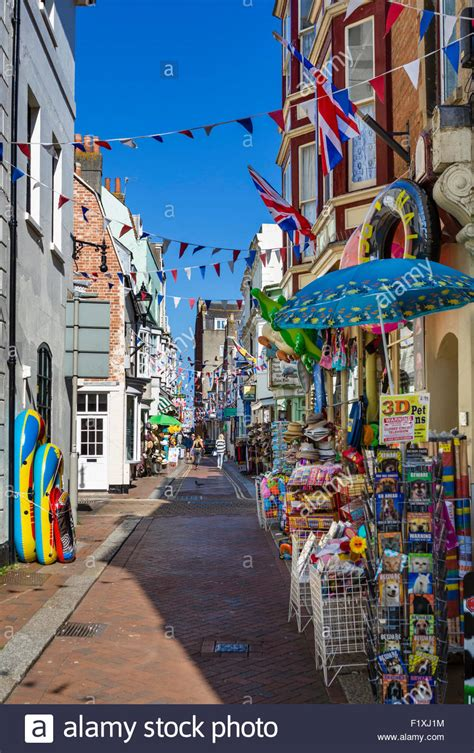 weymouth shop shops on st road in the town centre weymouth jurassic coast stock photo