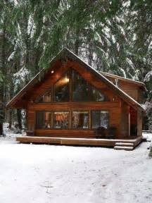 Cabin Ideas by 25 Best Ideas About Log Cabin Houses On Pinterest Log