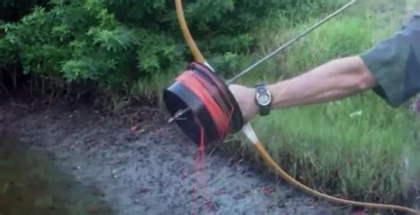 How To Survive Handmade Crossbow - bowfishing reel shoot through style 101 ways