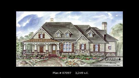 small craftsman house plans michael w garrell garrell craftsman house plans 1 729 s f 2 587 s f michael w