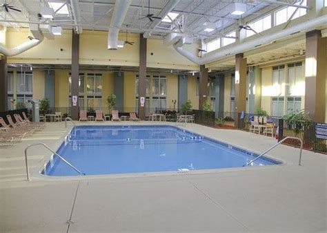 Pool Area Picture Of Comfort Inn Suites Syracuse