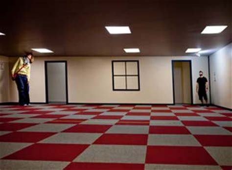 ames room illusion cool optical illusions see the classics and new tech illusions