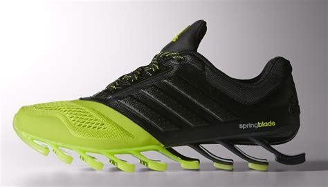 Adidas Springblade Drive 2 0 adidas spingblade drive 2 0 tornano le sneakers da