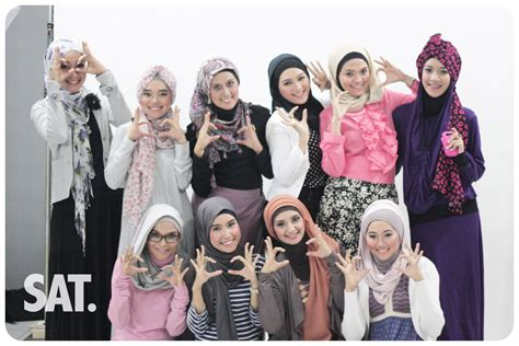 Jilbab Motif yang ingin til mengikuti trend yang lagi berkembang saat ini hairstylegalleries