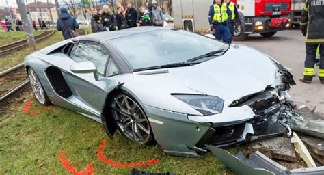 Lamborghini Aventador Crash Lamborghini Aventador Roadster Crashed In Estonia