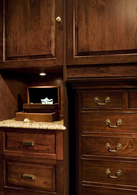 Closet Luxe by Renovation Luxe Fisher Llc