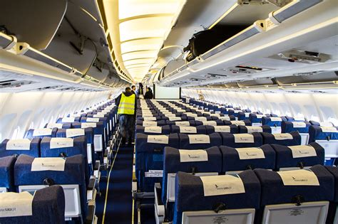A310 Cabin by Flying A Sata Airbus A310 Quot Football Quot To The Azores