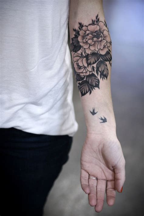 bird arm tattoo 25 best ideas about floral arm on