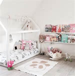 Exceptionnel Decoration Cabane De Jardin #5: diy-lit-cabane-lit-estrade-enfant-decoration-chambre-fille-modele.jpg