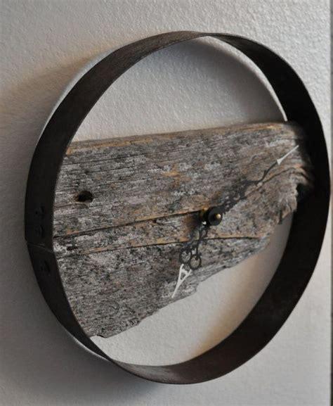 besondere wanduhren rustic barn wood wall clock scheunen wanduhren und rustikal