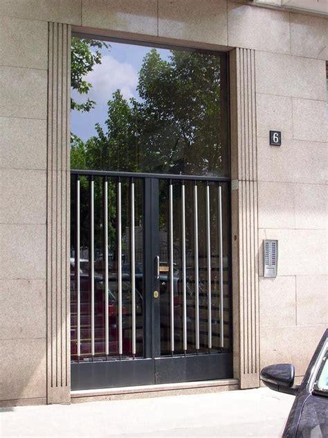 portone ingresso condominio foto portone condominiale di chiavi serrature casseforti