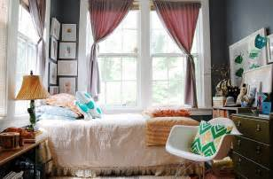 Photography In Bedroom How To Decorate An Exquisite Eclectic Bedroom Decor Advisor