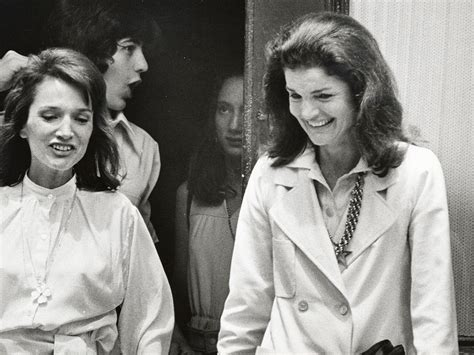 jackie and jackie kennedy onassis and radziwill s relationship