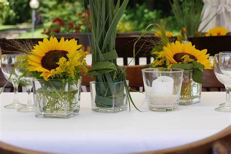 Sonnenblumen Tischdeko by Kostenloses Foto Blumengesteck Deko Blumen