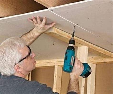 come montare il cartongesso al soffitto fissare cartongesso al pavimento confortevole soggiorno