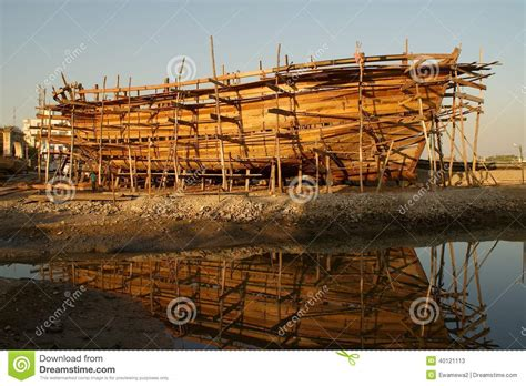 boat construction bateau en bois en construction photo stock image 40121113