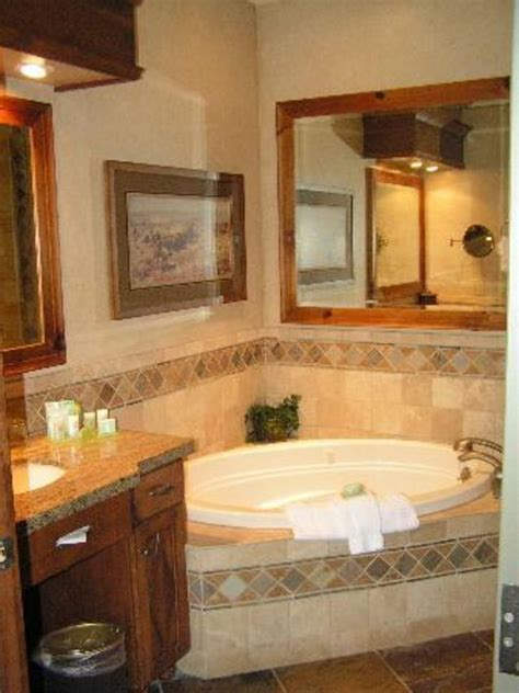 bathroom tiles decorating ideas ideas for home garden 25 best ideas about jacuzzi tub decor on pinterest