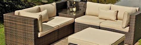 cuscini per divani da giardino cuscini per divano muratura distanza divano finestra