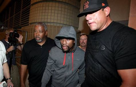 Entering Australia With A Criminal Record Floyd Mayweather Denied Visa To Enter Australia Due To Criminal Record Boxing News