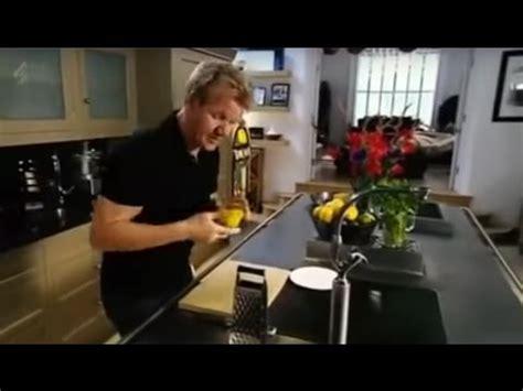 Gordon Ramsays Home Cooking S01e01 Gordon Ramsay S Kitchen Tips Part 1 Ecolicious