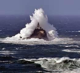 What s happen inn at sandlake country inn tillamook rock lighthouse