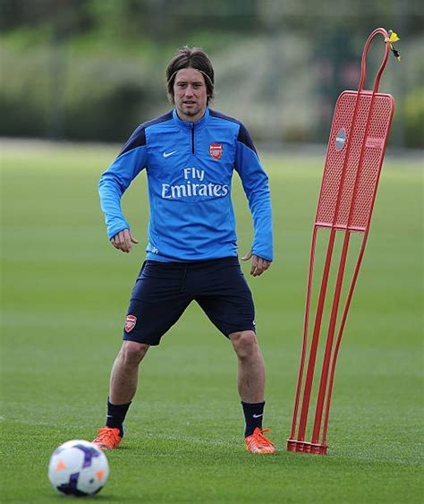 arsenal fans call rosicky  legend   celebrates birthday arsenal true fans