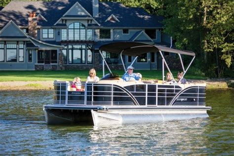 pontoon boat manufacturers elkhart indiana nautic global group rs up production pontoon deck
