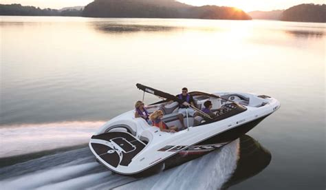 boating safety july 4th boat ed s top five boating safety tips for the july 4th