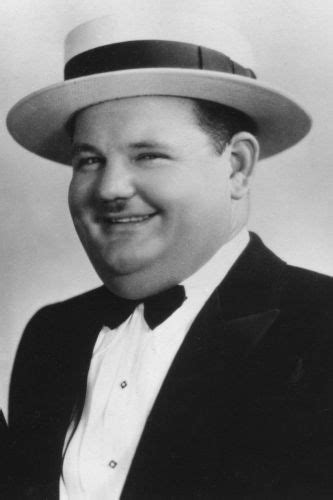 Oliver Hardy | Biography, Movie Highlights and Photos