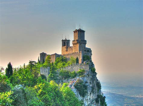 most beautiful english castles most beautiful castles around the world hongkiat