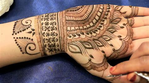 feather henna tattoo designs 15 beautiful feather henna designs 2018 mehndi crayon
