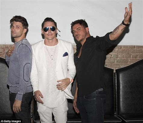 tom schwartz vanderpump rules age tom sandoval celebrates birthday with vanderpump rules co